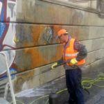 Banco de España - proceso de eliminación de graffitis.