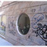 Limpieza de graffitis en mármol y protección - antes